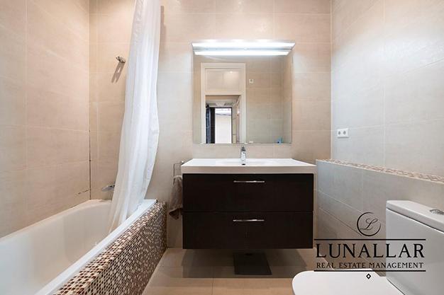 bano en suite piso diseno barcelona - Fabuloso piso de diseño en Barcelona centro
