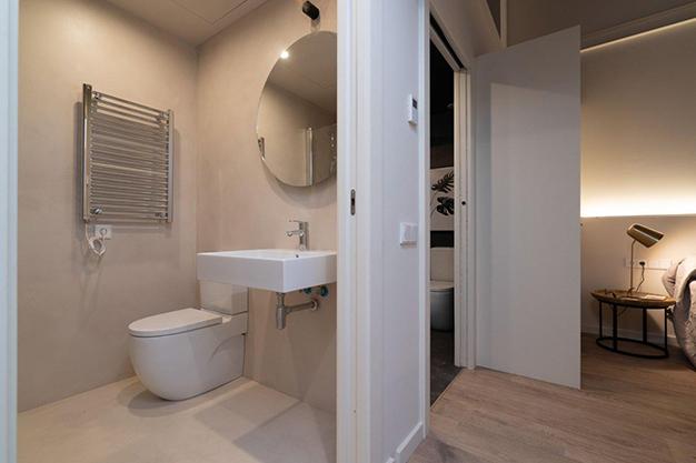 bano raval - Moderno apartamento en el centro de Barcelona para los que buscan un estilo único