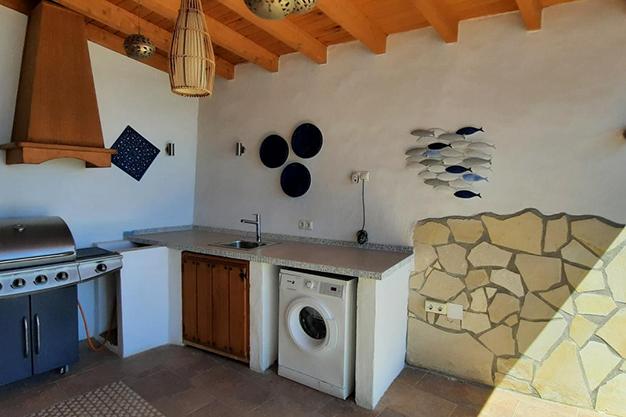 barbacoa sayalonga - Despierta cada día con vistas al mar y la montaña en esta villa de campo en Málaga