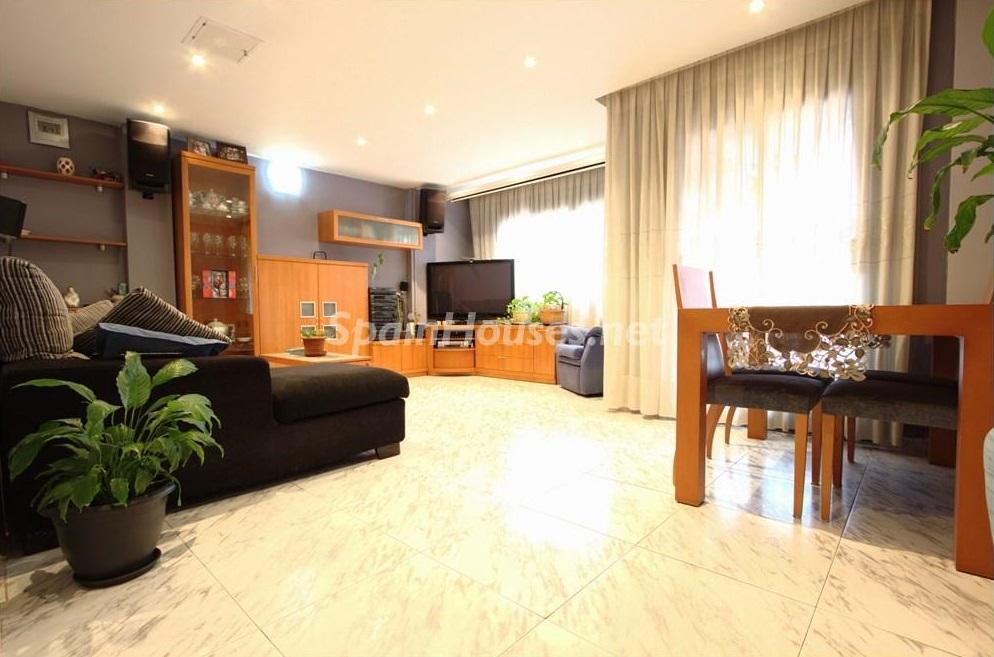 barberadelvalles barcelona - ¡A la caza de gangas en Barcelona! 21 estupendos pisos entre 45.000 y 120.000 euros