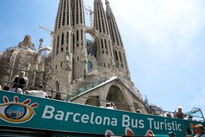 barcelona turismo 300x200 - Los hoteleros quieren prohibir el alquiler vacacional, los propietarios una normativa justa