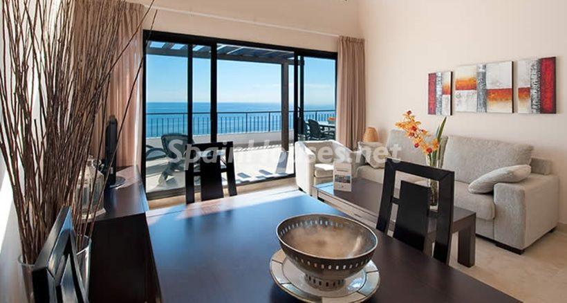 benalmadena malaga 3 - 10 fantásticos salones modernos que se abren a la terraza, a la piscina o al mar