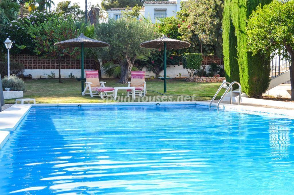 benalmadenacosta malaga 3 1024x678 - Fantásticas piscinas de otoño en 14 geniales casas ideales para despedir el verano