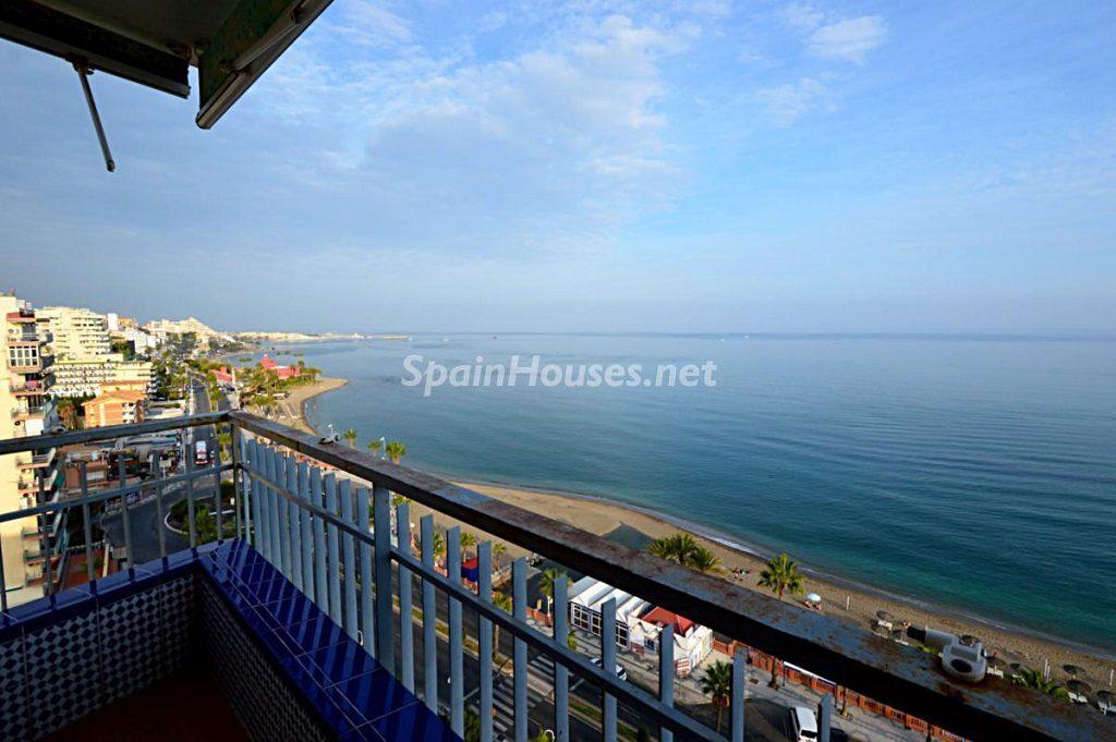 benalmadenacosta malaga 6 1024x681 - Primera línea de playa: 12 pisos y apartamentos en alquiler para vivir junto al mar