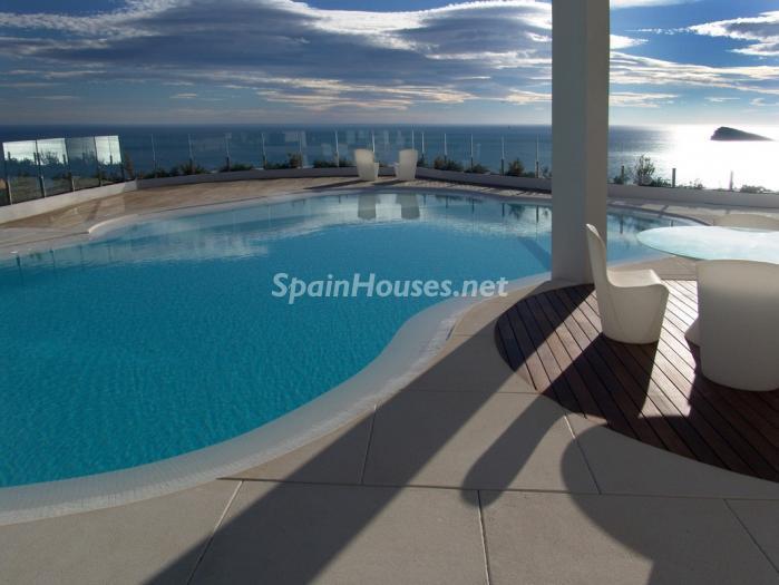 benidorm alicante 3 - 15 preciosas y modernas casas con espectaculares piscinas que miran al mar