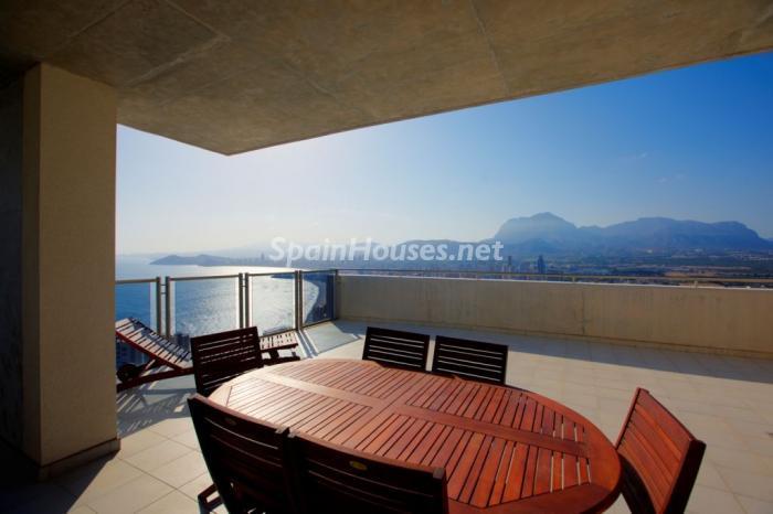 benidorm alicante3 - Áticos: espectaculares terrazas con un bonito toque urbano o fantásticas vistas al mar