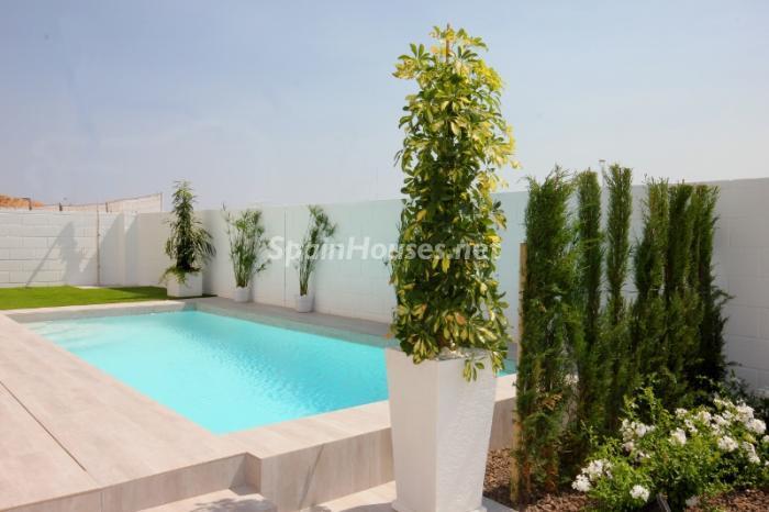 benijofar alicante 1 - Fantásticas piscinas de otoño en 14 geniales casas ideales para despedir el verano