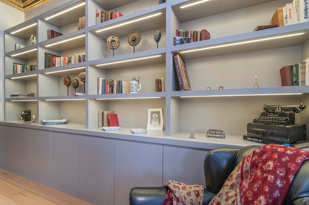 biblioteca 1 - Piso modernista en el Eixample (Barcelona): fusión espectacular de luz y elegancia