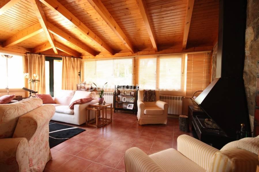 boadilladelmonte madrid 1 - 16 fantásticas casas con chimenea y rincones de calidez para los últimos días del invierno