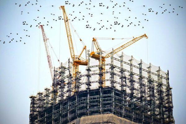 building 768815 960 720 600x399 - El precio medio de la vivienda libre sube un 3,2% interanual en el tercer trimestre, hasta los 1.589 euros