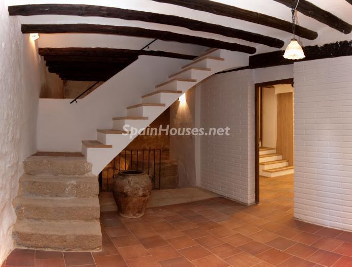 calaceite teruel - 22 fantásticas casas de piedra, masías catalanas y villas mallorquinas para enamorar
