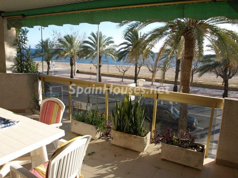 cambrils tarragona 4 - Primera línea de playa: 14 bonitos apartamentos y pisos para disfrutar junto al mar