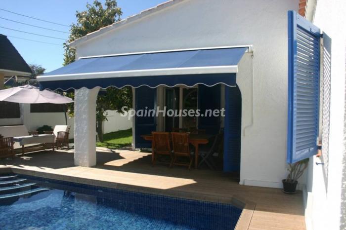 cambrils tarragona1 - Casas de otoño: terrazas, jardines, rincones llenos de encanto y calidez otoñal