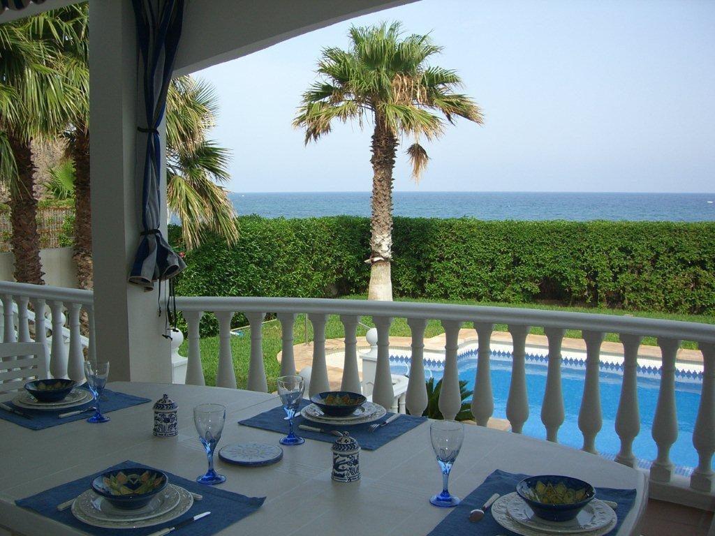 carboneras almeria 2 1024x768 - Vivienda y decoración: 12 bonitas mesas listas para almorzar cerca del mar