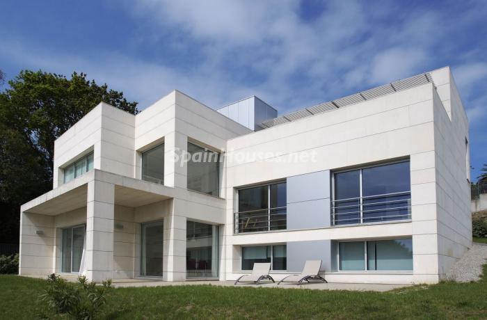 casa 1 - Arquitectura bioclimática en un moderno chalet de diseño en Somió, Gijón (Asturias)