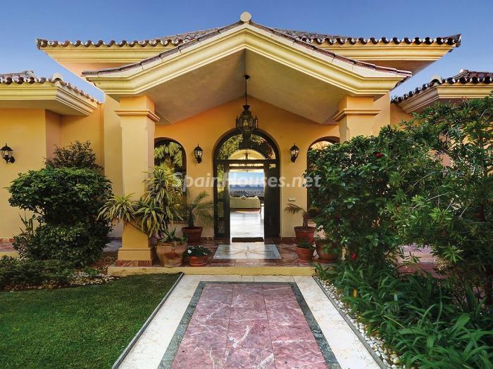casa 11 - Elegante y serena villa en Marbella (Costa del Sol), con vistas al mar y piscina cubierta