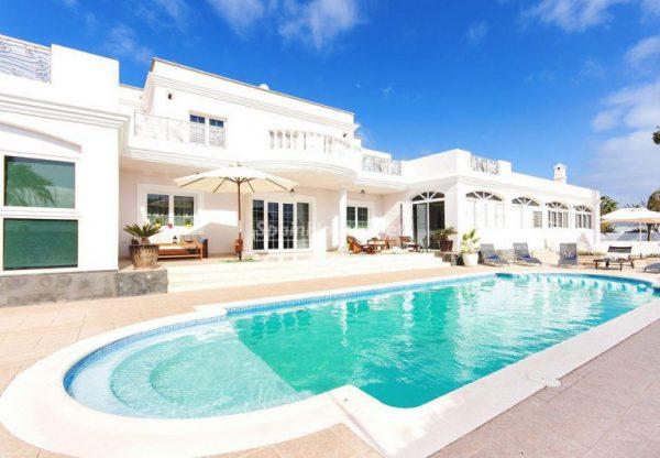 casa 19 768x533 1 600x416 - Las casas más espectaculares de este año 2017
