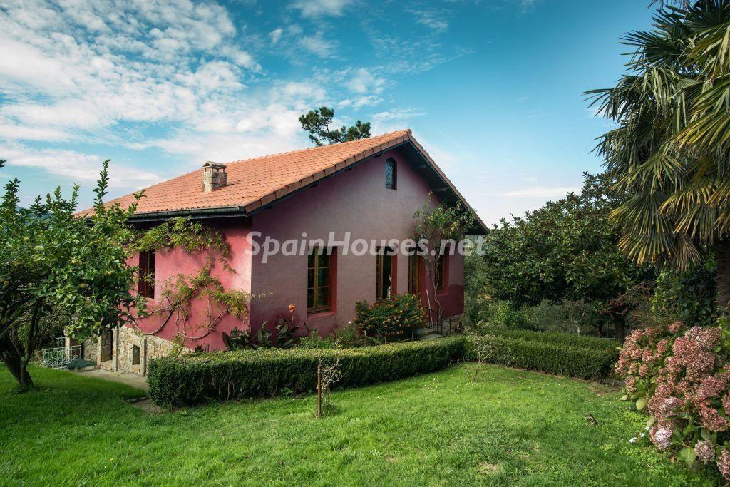 casa 24 1024x683 - Casa primaveral en Villaviciosa (Asturias): encanto, naturaleza y un romántico jardín