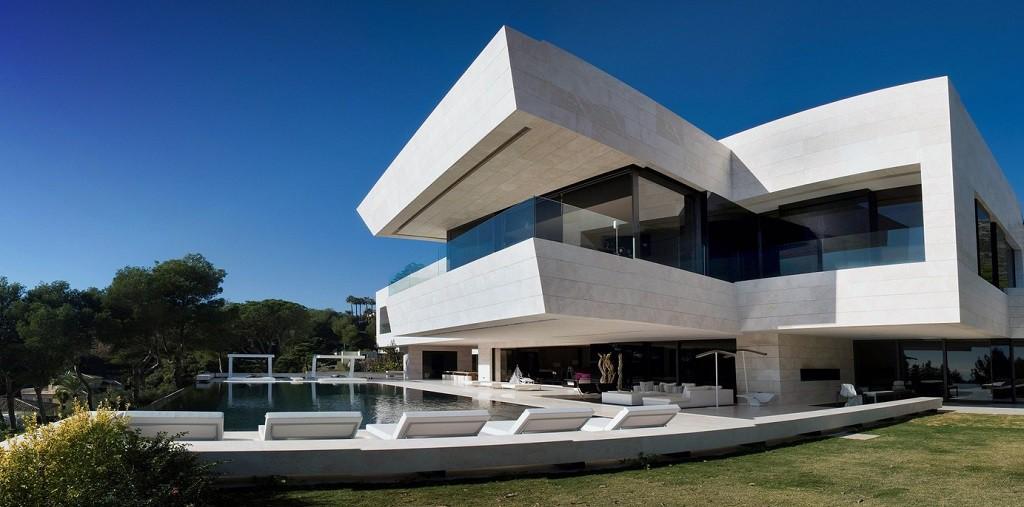 casa 5 1024x507 - Espectacular, imponente y lujosa casa de diseño en Puerto Banús (Marbella, Costa del Sol)