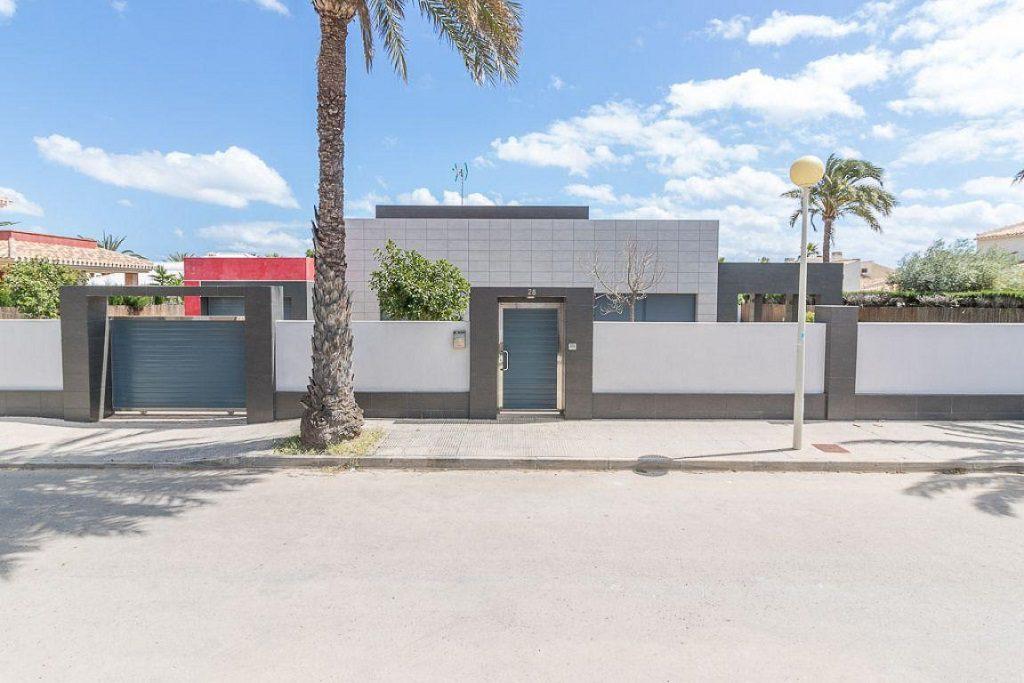 casa exterior 10 1024x683 - Preciosa casa de diseño en Orihuela Costa (Costa Blanca), en 2ª línea de playa