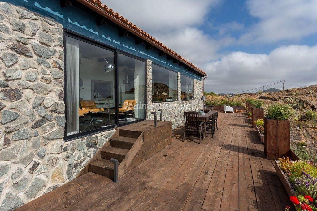casa exterior 2 1024x682 - Elegante y sereno toque otoñal en una bonita casa en Tafira, Las Palmas de Gran Canaria