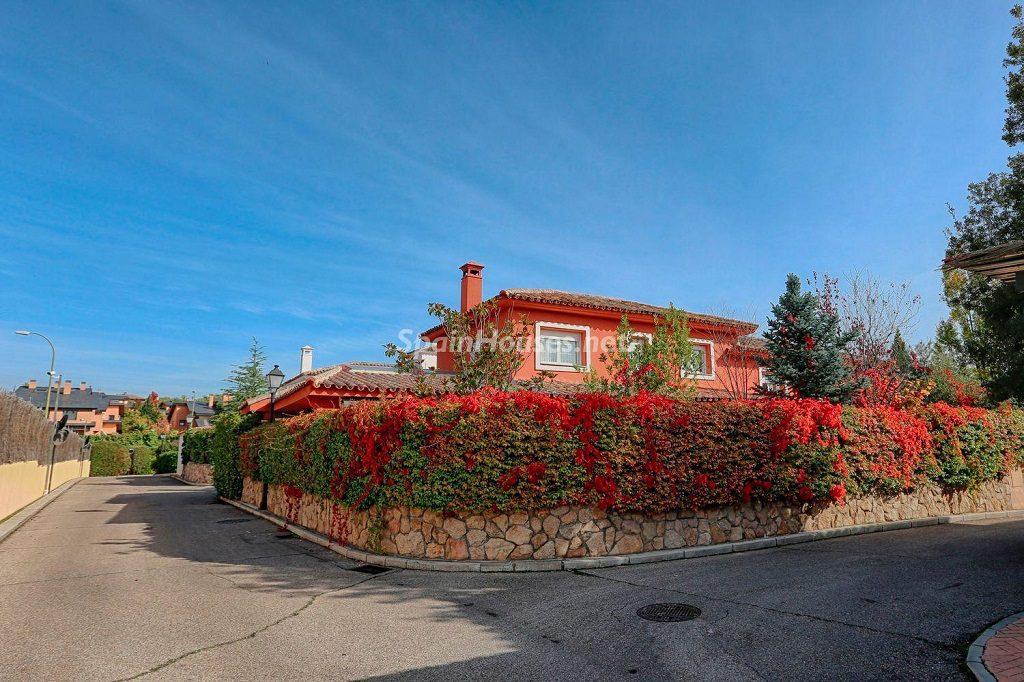 casa exterior 4 1024x682 - Cálido y familiar chalet en Encinar de los Reyes, La Moraleja (Alcobendas, Madrid)