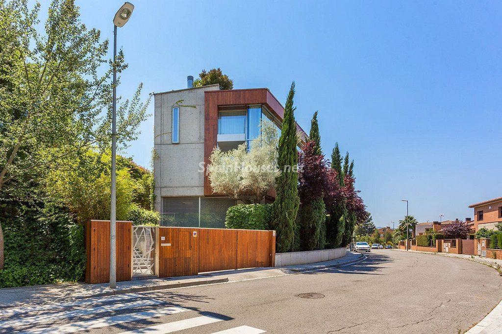 casa exterior 9 1024x682 - Chalet en la Sierra de Collserola (Barcelona): lujo y diseño para disfrutar
