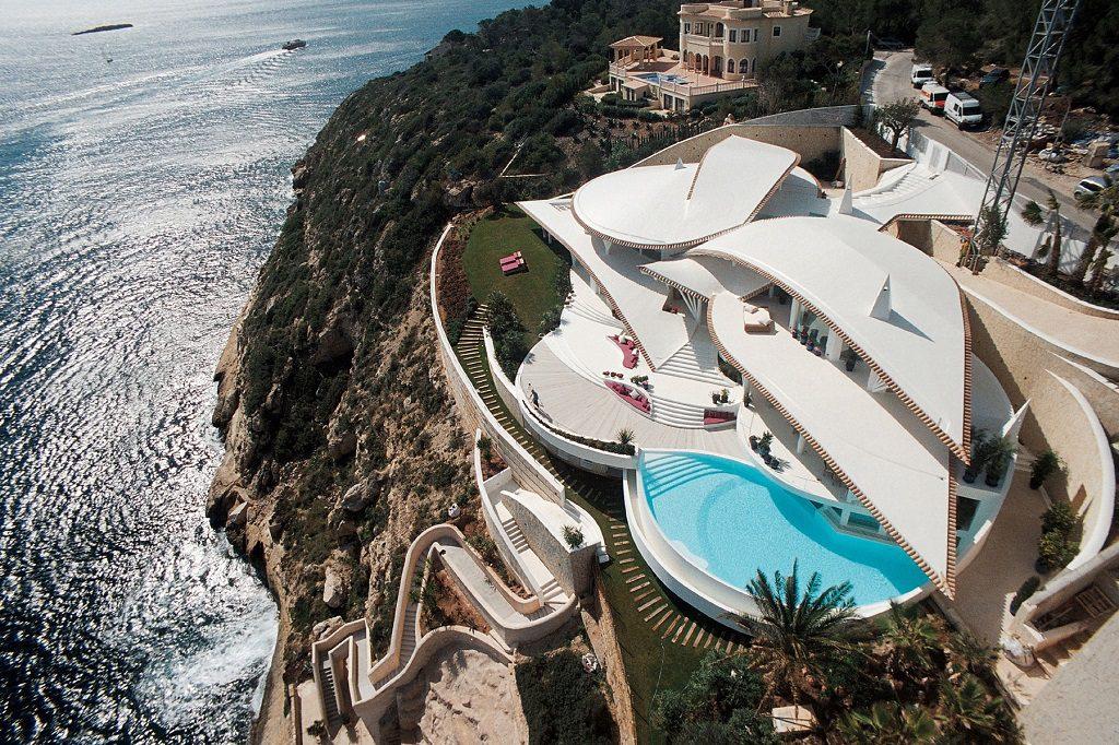 casa panoramica 1024x682 - Espectacular villa en Puerto de Andratx (Mallorca), con un fantástico diseño de gaviota