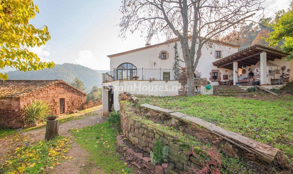 casa1 5 1024x608 - Masía en la montaña: una escapada a la naturaleza a 33 km de Barcelona