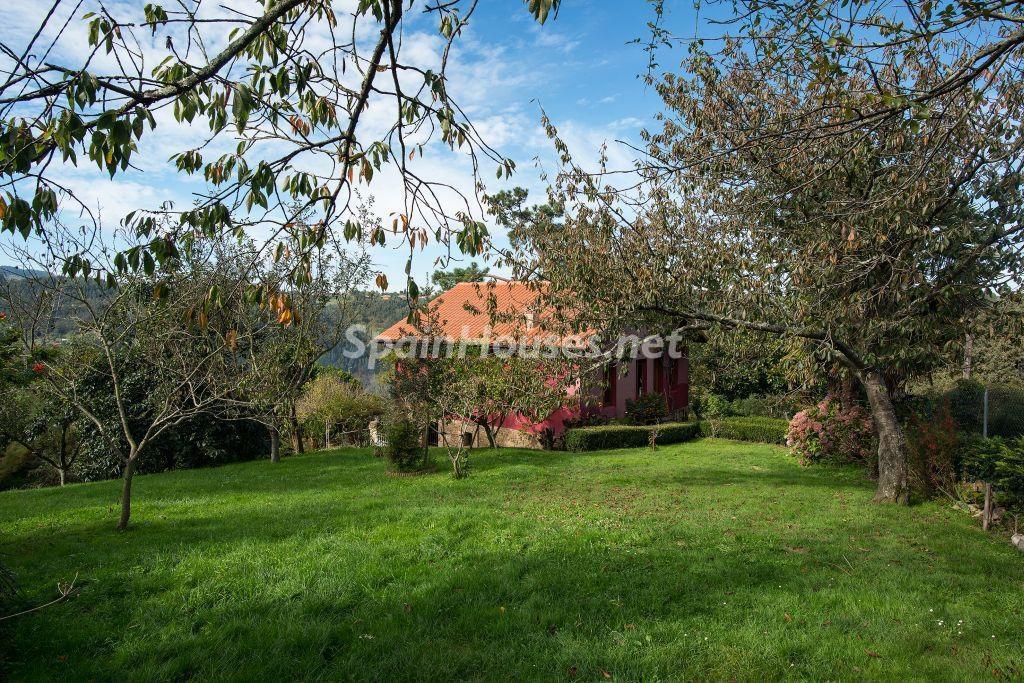 casa1 9 1024x683 - Casa primaveral en Villaviciosa (Asturias): encanto, naturaleza y un romántico jardín