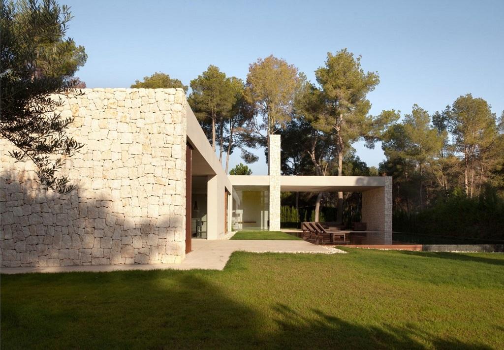 casa117 - Casa El Bosque (Chiva, Valencia): diseño moderno con distintos grados de intimidad