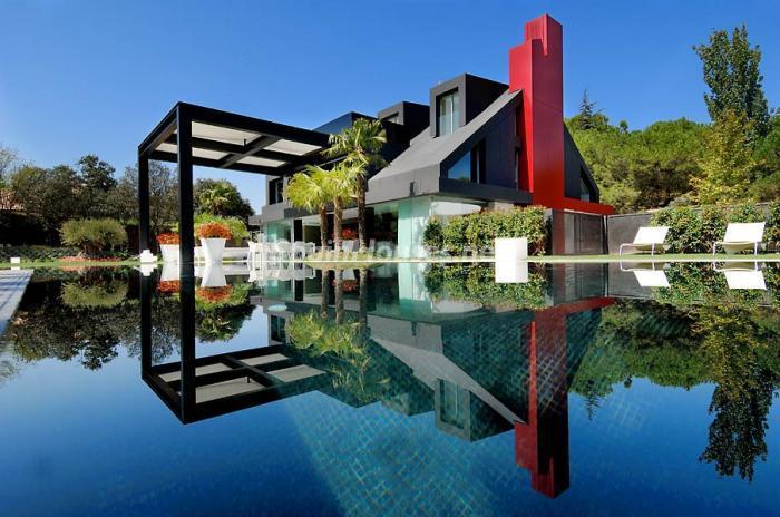 casa14 - Casa de la Semana: Espectacular Villa de lujo en La Moraleja: diseño y exclusividad en Madrid