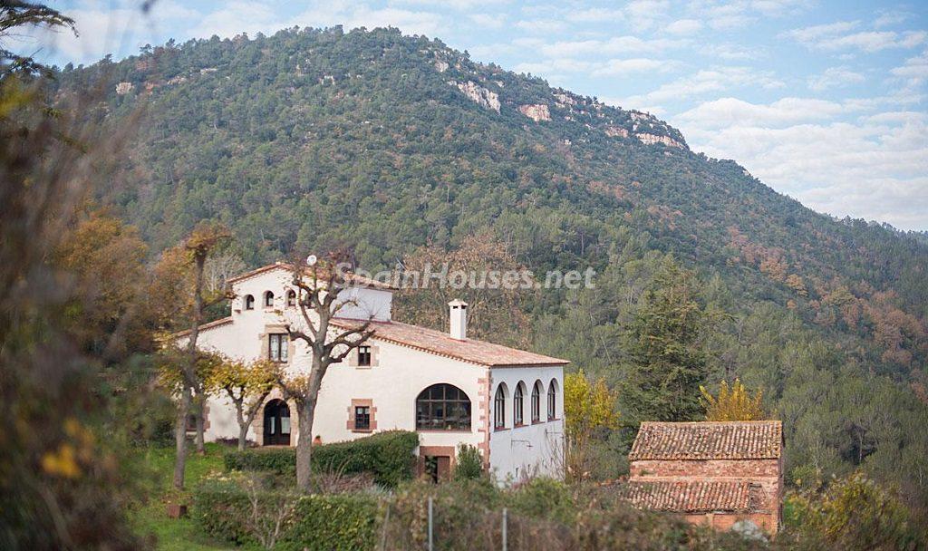 Masía en la montaña: una escapada a la naturaleza a 33 km de Barcelona