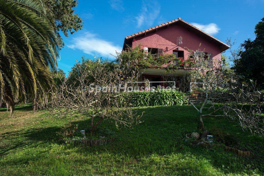 casa2 4 1024x683 - Casa primaveral en Villaviciosa (Asturias): encanto, naturaleza y un romántico jardín