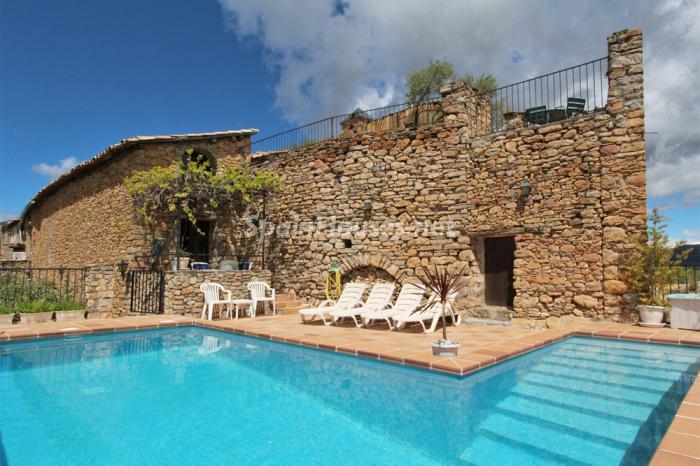 casa25 - Casa de la Semana: Genial casa medieval en el Pirineo, para los amantes de la montaña
