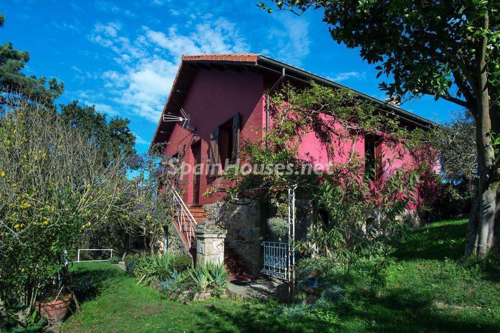 casa3 3 1024x683 - Casa primaveral en Villaviciosa (Asturias): encanto, naturaleza y un romántico jardín