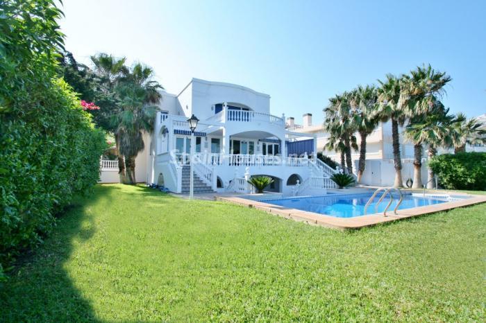 casa33 - Fantástica villa en primera línea de playa en Carboneras (Almería)