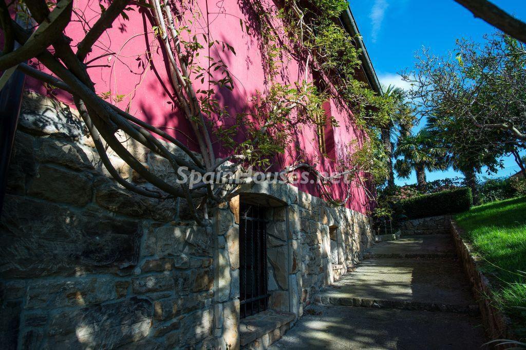 casa4 2 1024x683 - Casa primaveral en Villaviciosa (Asturias): encanto, naturaleza y un romántico jardín