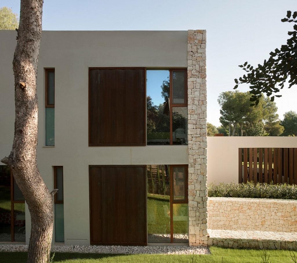 casa49 - Casa El Bosque (Chiva, Valencia): diseño moderno con distintos grados de intimidad