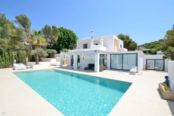 casa59 - Fantástica villa en Cala Vadella (San José, Ibiza): blanca, luminosa y mediterránea