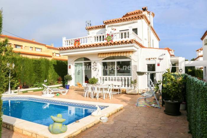 casa64 - Una casa coqueta, navideña y confortable en Miami Playa (Costa Dorada, Tarragona)