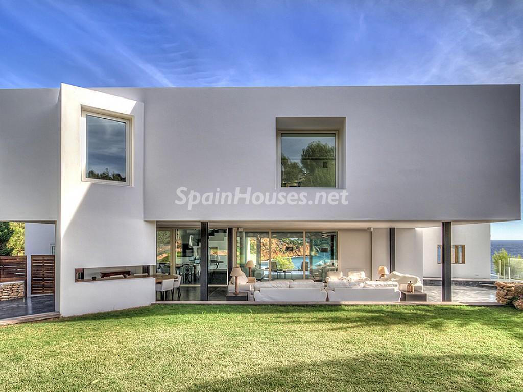 casadelujo ibiza 1024x768 - 10 consejos para vender tu vivienda sin morir en el intento: con o sin agencia, el precio...