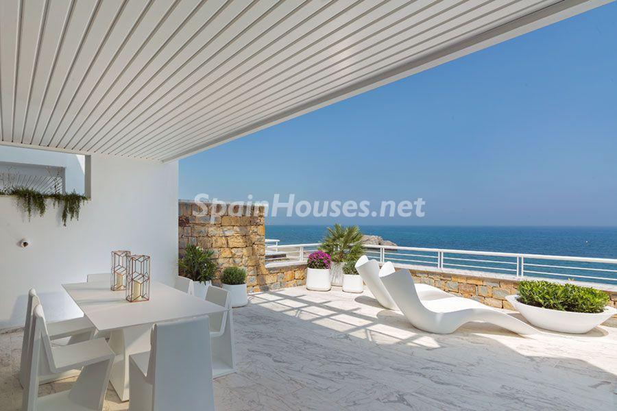 Vivienda frente al mar en Casares (Costa del Sol, Málaga)