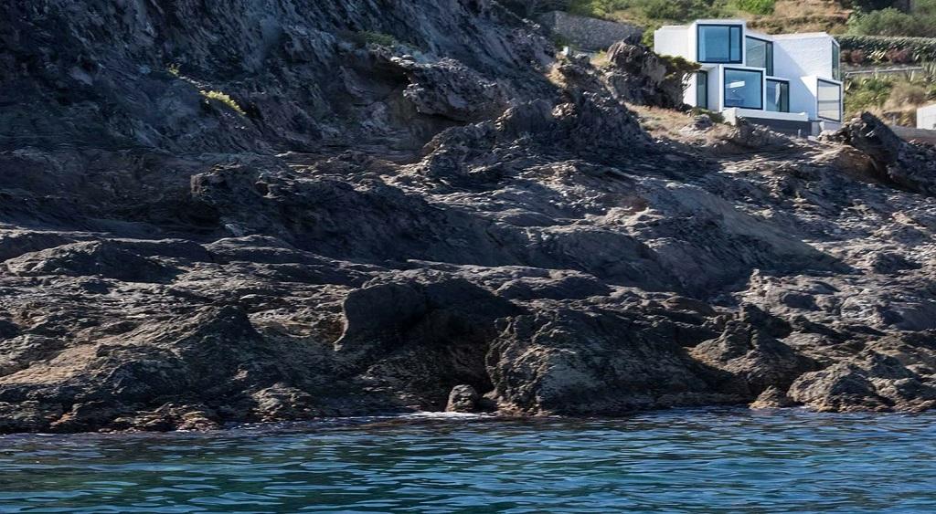 """casaycosta - """"Casa Girasol"""" en Costa Brava, o las múltiples y geniales vistas entre la montaña y el mar"""