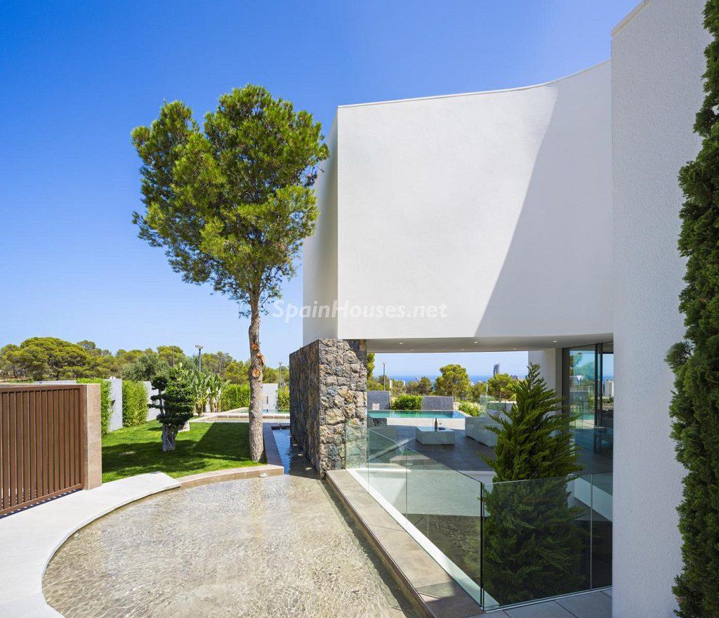 casayjardin 3 1024x880 - Diseño contemporáneo a estrenar en una fantástica villa en Finestrat (Costa Blanca, Alicante)