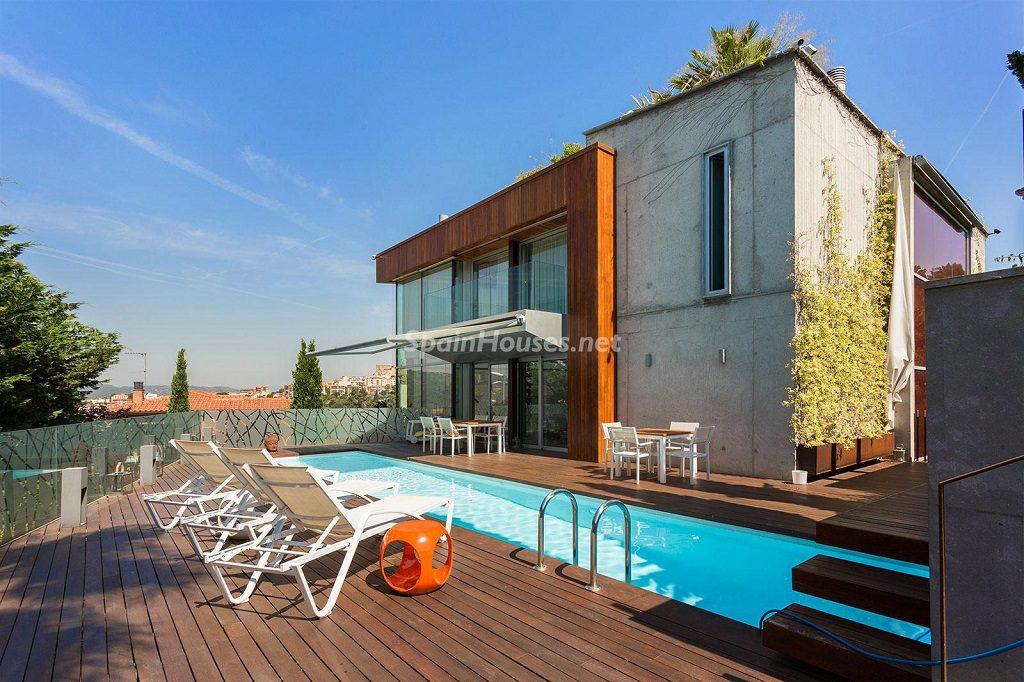 casaypiscina 22 1024x682 - Chalet en la Sierra de Collserola (Barcelona): lujo y diseño para disfrutar