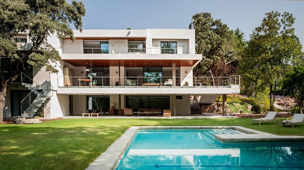 casaypiscina13 - Genial toque otoñal y minimalista en una fantástica casa en La Moraleja (Alcobendas, Madrid)