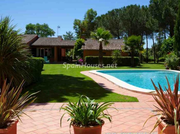 Más fotos, información y precio  Casa en venta en Besalú (Girona)