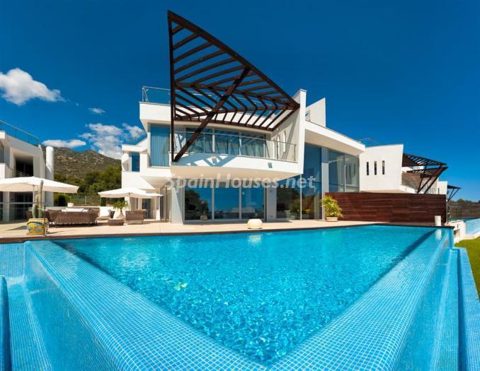 casaypiscina3 - Preciosos apartamentos de diseño contemporáneo en Sierra Blanca, Marbella