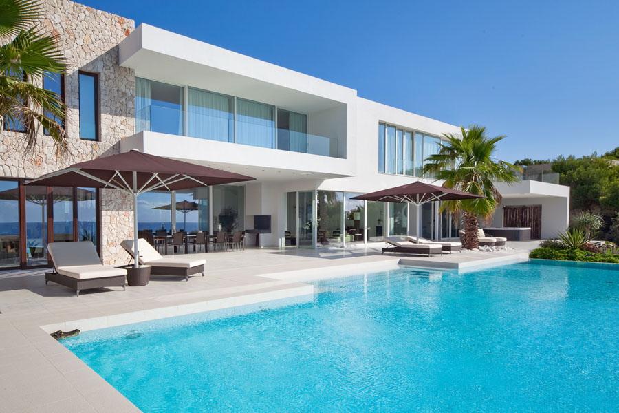 Espectacular y luminosa casa de dise o frente al mar en - Casas en mallorca ...